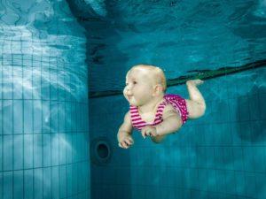 niemowlę na basenie w chełmcu i nowym sączu