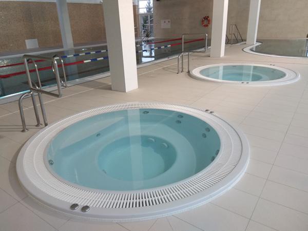basen-witalny-z-woda-magnezową,-basen-witalny-w-wodą-jodowo-bromową