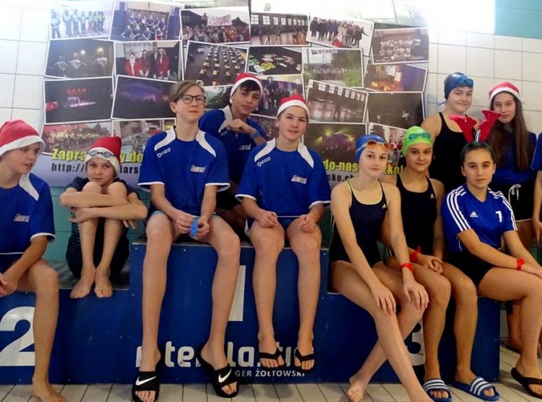 Mikołajkowe Zawody w Pływaniu